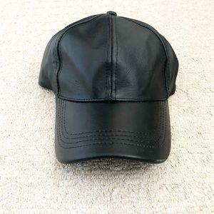 Accessories - Black genuine leather baseball cap